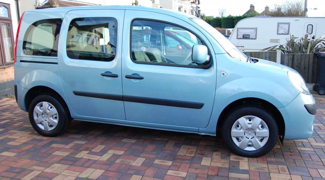 Here we have a wheelchair adapted / wheelchair accessible Renault Kangoo. It comes with a built in mobility scooter / wheelchair accessible ramp, a lowered floor, air conditioning and is automatic. It is pictured here in sky blue.