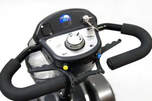 The All Terrain Mobility Shuttle car transportable mobility scooter comes with a delta shaped handle bar and throttle leave that can be operated with fingers or thumbs. Available from All Terrain Mobility near Southend in Essex.